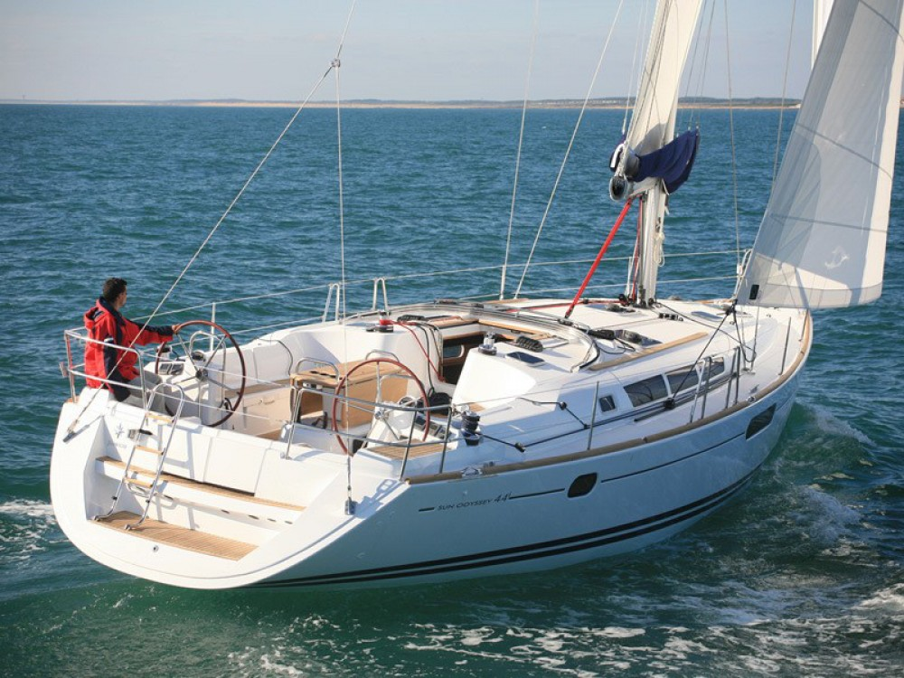 Noleggiare un'Jeanneau Sun Odyssey 44 i Álimos