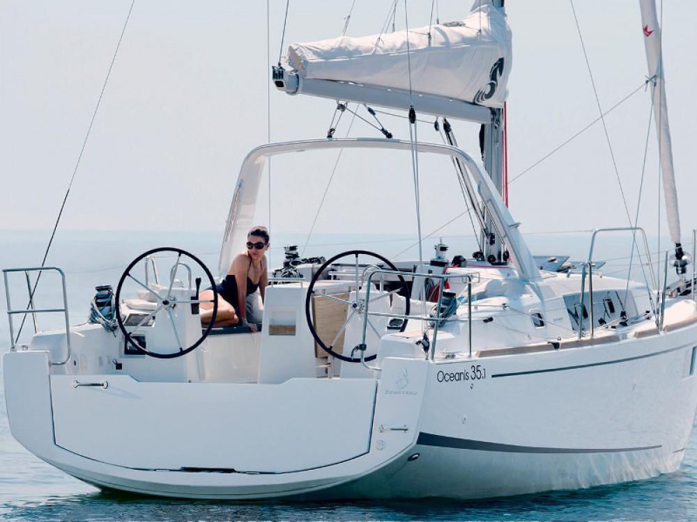 Bénéteau Oceanis 35.1 tra personale e professionale Spalato