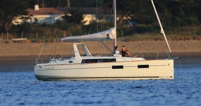 Noleggio Barca a vela a Split – Bénéteau Oceanis 35
