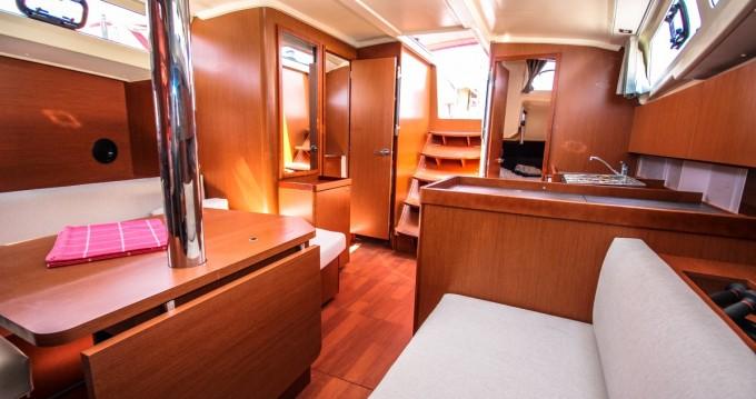 Noleggio barche Bénéteau Oceanis 41.1 a Pomer su Samboat