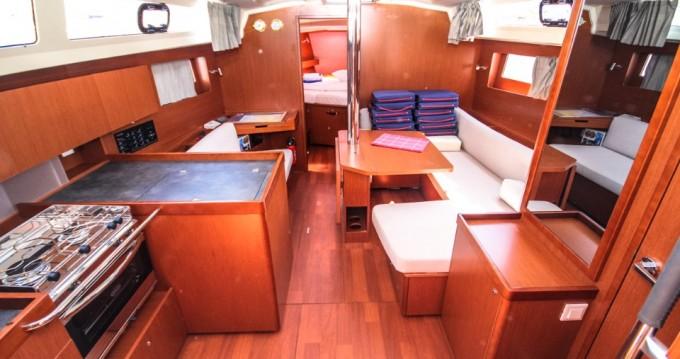 Barca a vela a noleggio a Pomer al miglior prezzo