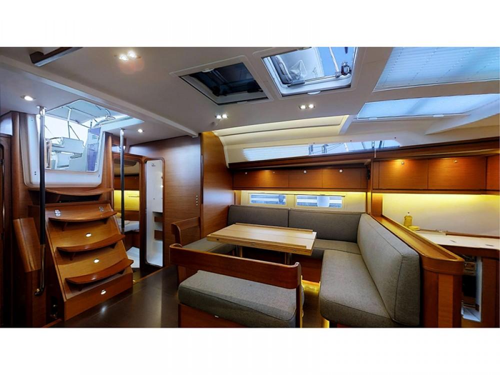 Noleggio barche Dufour Dufour 520 Grand Large Rogosnizza su Samboat