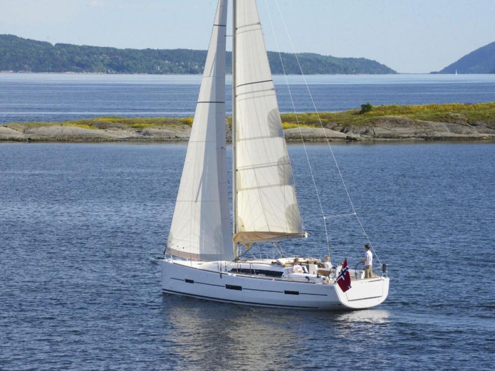 Noleggio barche Dufour Dufour 412 Grand Large Rogosnizza su Samboat
