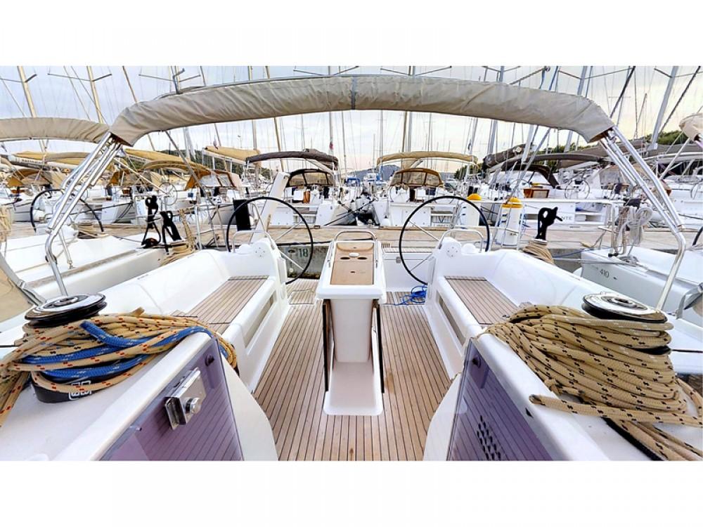Noleggio yacht  - Dufour Dufour 412 Grand Large su SamBoat