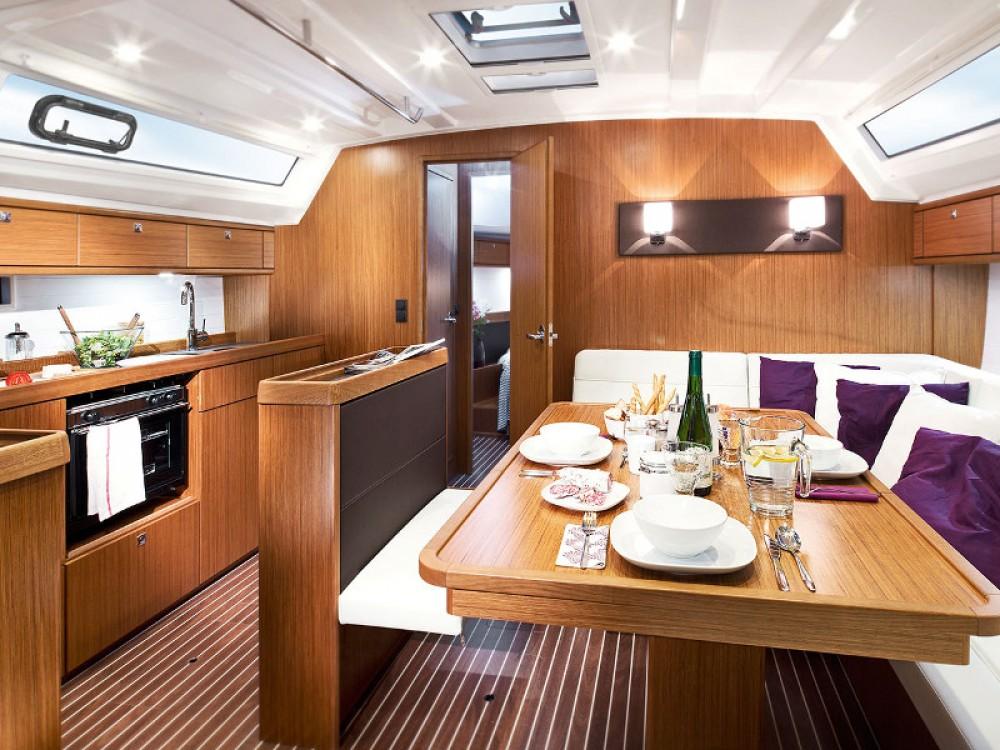 Noleggiare un'Bavaria Bavaria Cruiser 46