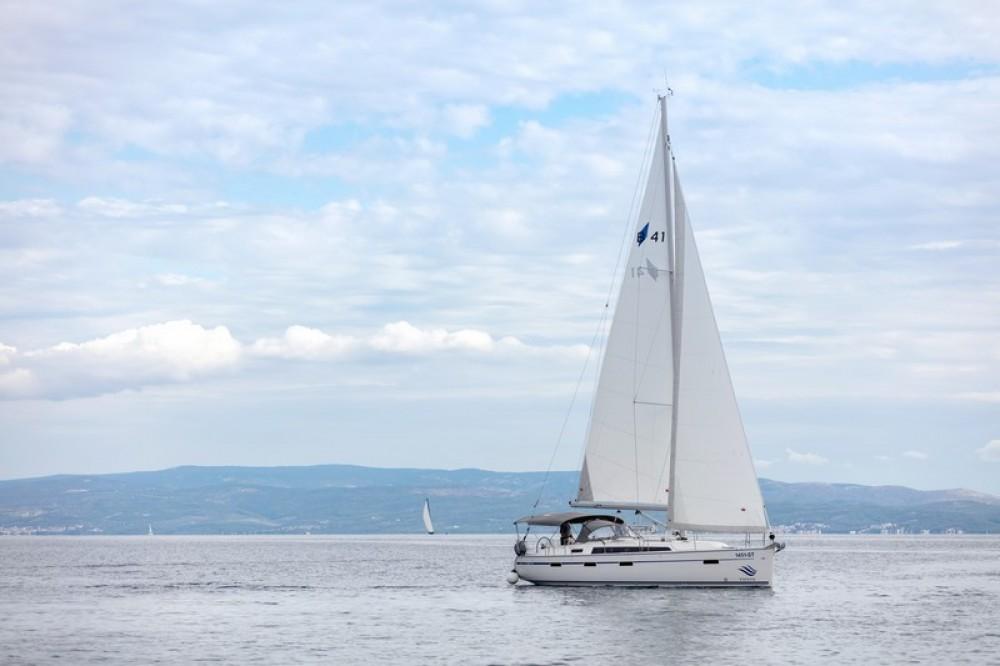 Noleggio barche Spalato economico Bavaria Cruiser 41