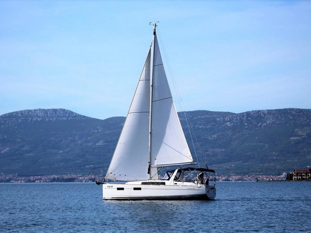 Noleggio barche Spalato economico Beneteau Oceanis 35