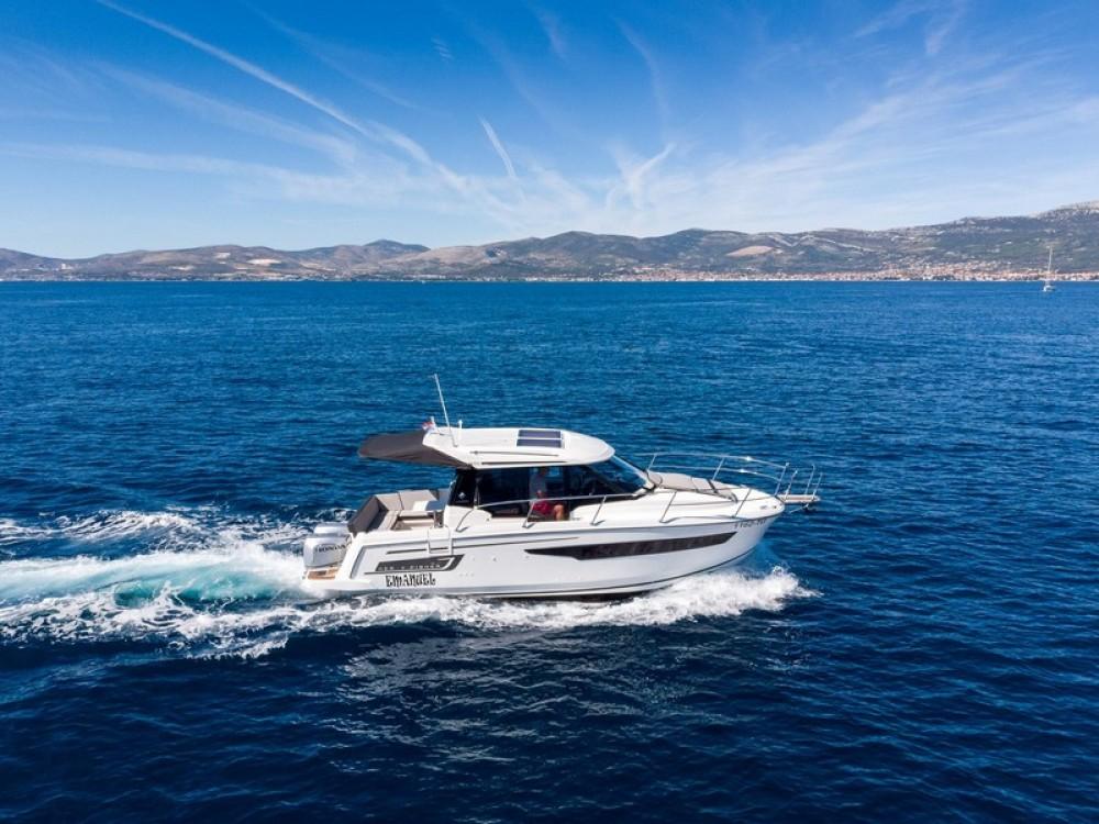 Noleggio yacht  - Jeanneau Jeanneau Merry Fisher 895 su SamBoat
