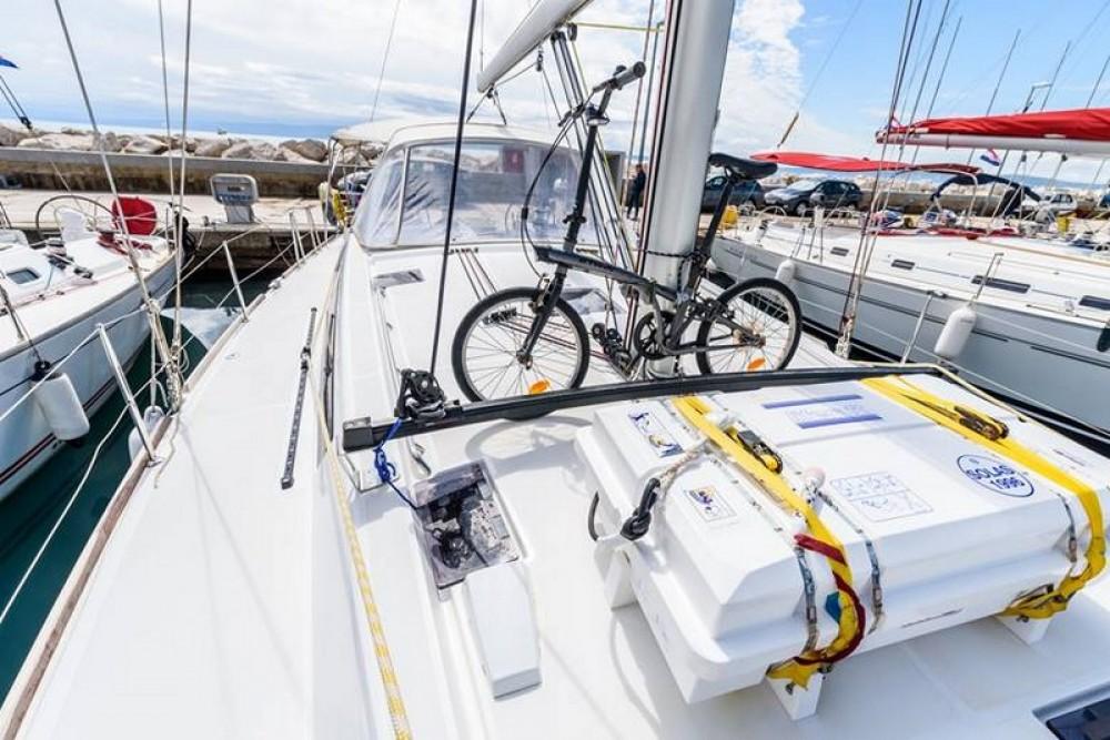 Noleggio Barca a vela con o senza skipper Bénéteau ACI Marina Split