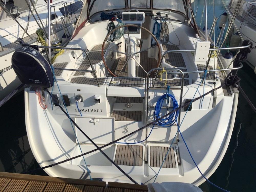 Noleggio yacht Cala dei Sardi - Bénéteau Oceanis Clipper 423 su SamBoat