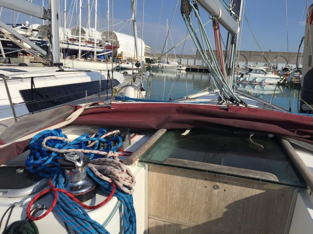 Noleggio barche Bénéteau Oceanis Clipper 423 Cala dei Sardi su Samboat