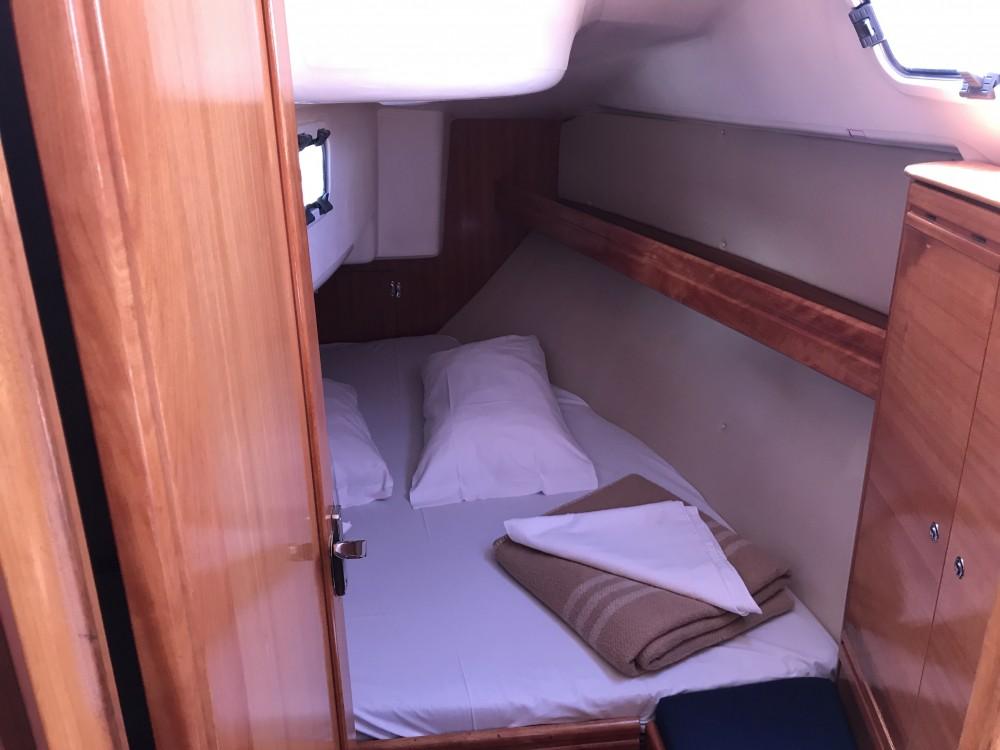 Noleggio barche Cala dei Sardi economico Bavaria 31 Cruiser