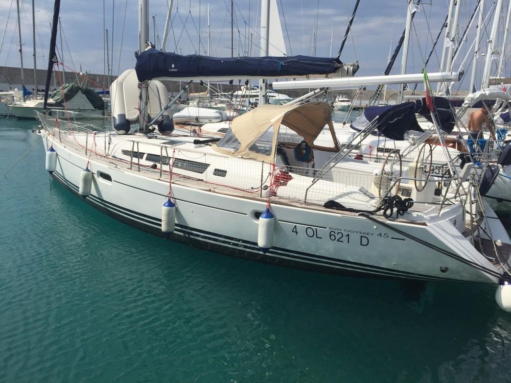 Noleggio Barca a vela con o senza skipper Jeanneau Castiglioncello