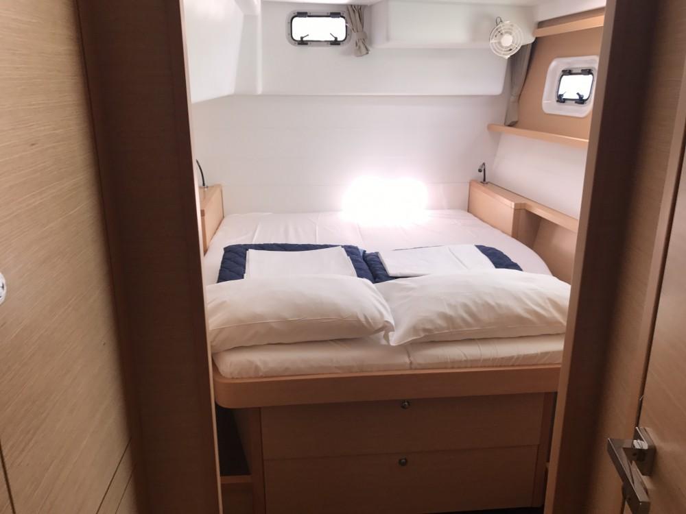 Noleggio Catamarano con o senza skipper Lagoon Castiglioncello