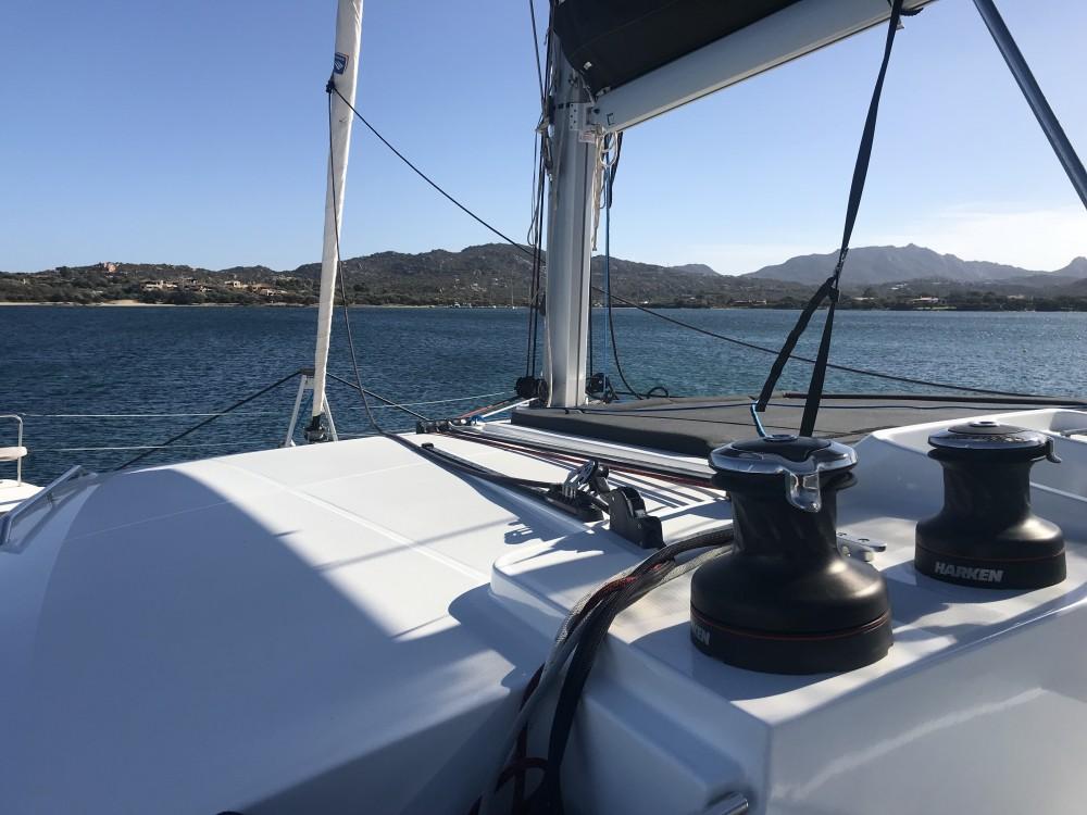 Noleggiare un'Lagoon Lagoon 450F Cala dei Sardi