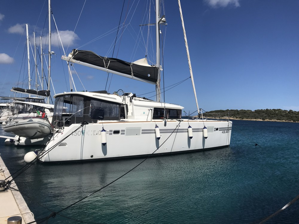 Noleggio Catamarano con o senza skipper Lagoon Cala dei Sardi