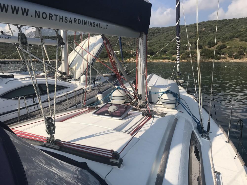 Noleggio yacht Cala dei Sardi - Bénéteau Oceanis 43 su SamBoat
