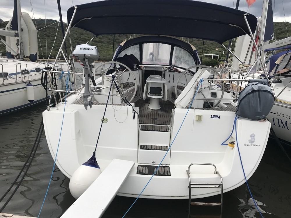Noleggio barche Bénéteau Oceanis 43 Cala dei Sardi su Samboat