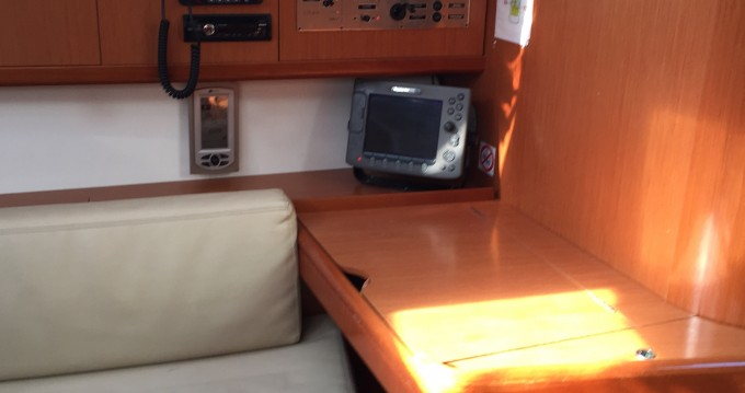 Noleggio Barca a vela a Portisco – Bénéteau Oceanis 43