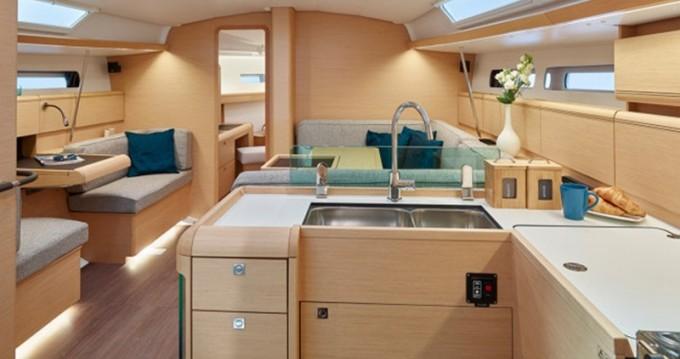 Noleggio barche Agropoli economico Sun Odyssey 449