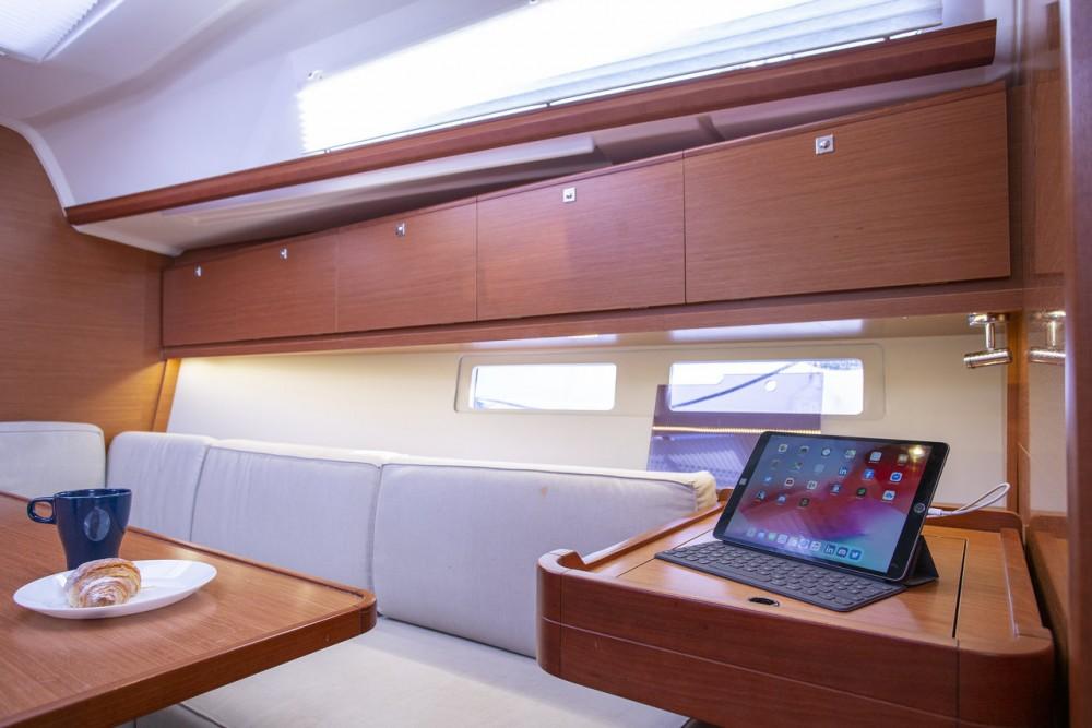 Noleggio yacht Capocesto - Dufour Dufour 382 Grand Large su SamBoat