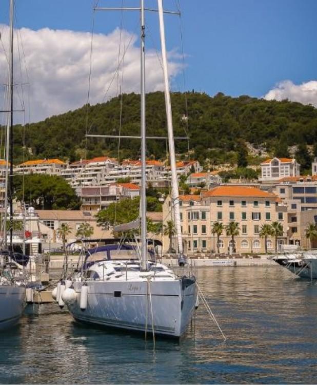 Noleggio barche  economico Elan 49