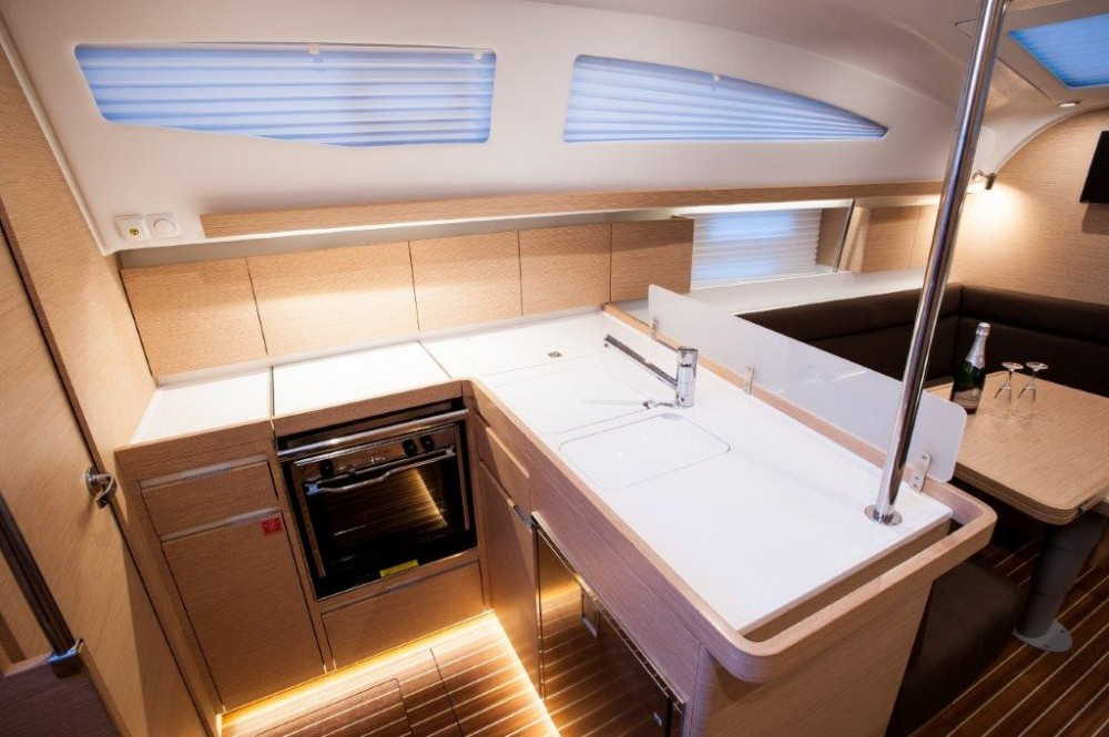 Noleggio barche Elan Elan Impression 40  su Samboat
