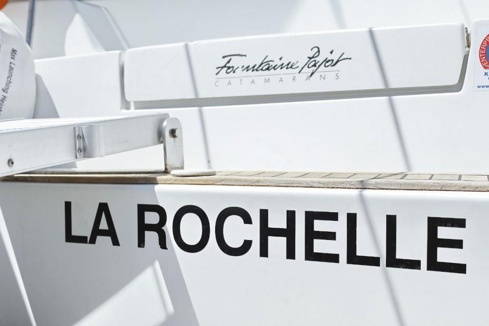 Noleggio Catamarano con o senza skipper Fountaine Pajot Zara