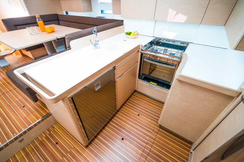 Noleggio Barca a vela con o senza skipper Elan Croazia