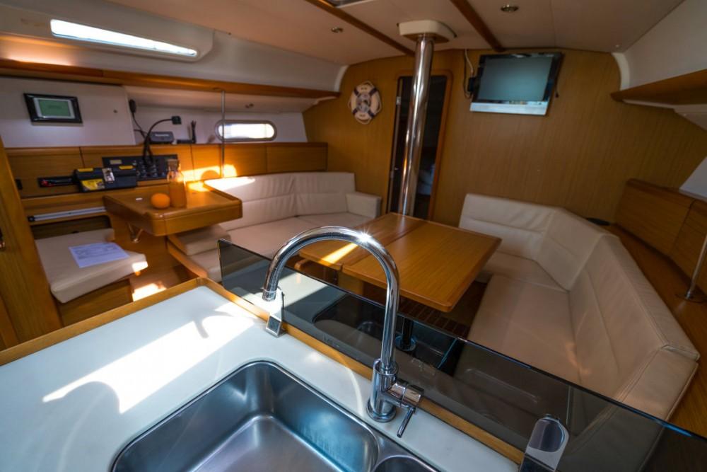 Noleggiare un'Jeanneau Sun Odyssey 42i