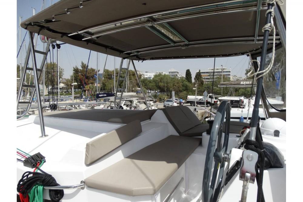 Catamarano a noleggio Leucade al miglior prezzo