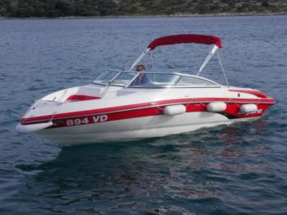 Barca a motore a noleggio Tribunj al miglior prezzo