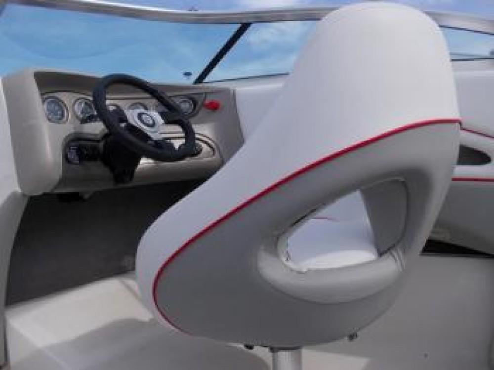 Noleggio barche Bryant-Boats Bryant 210 Bowrider Tribunj su Samboat