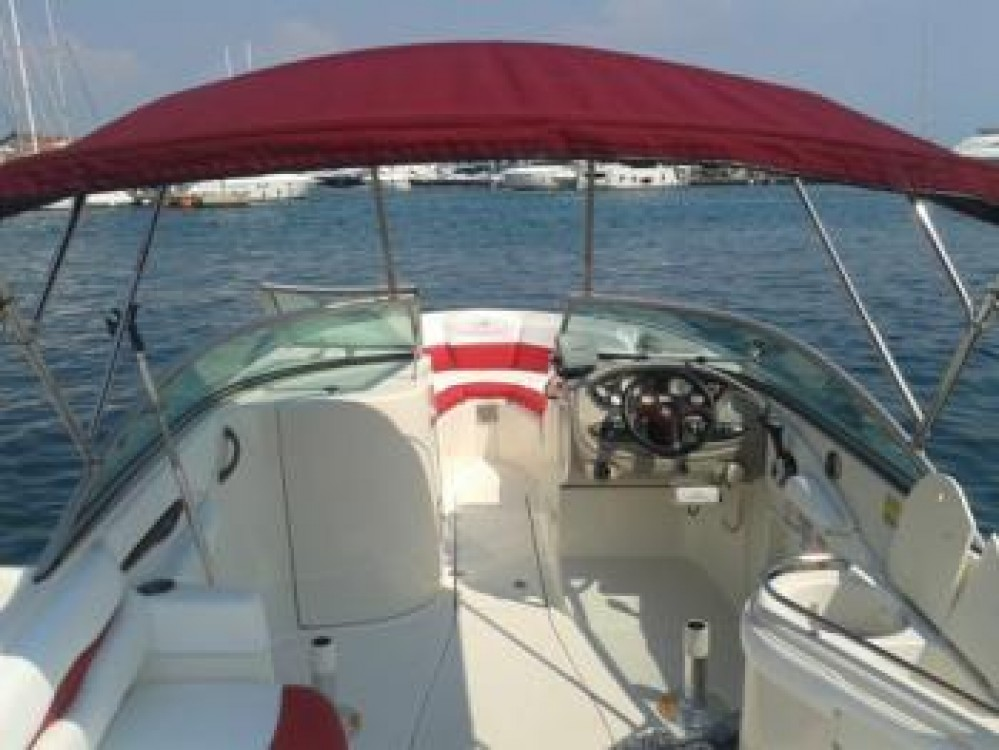 Noleggio barche Tribunj economico Monterey 248 LS