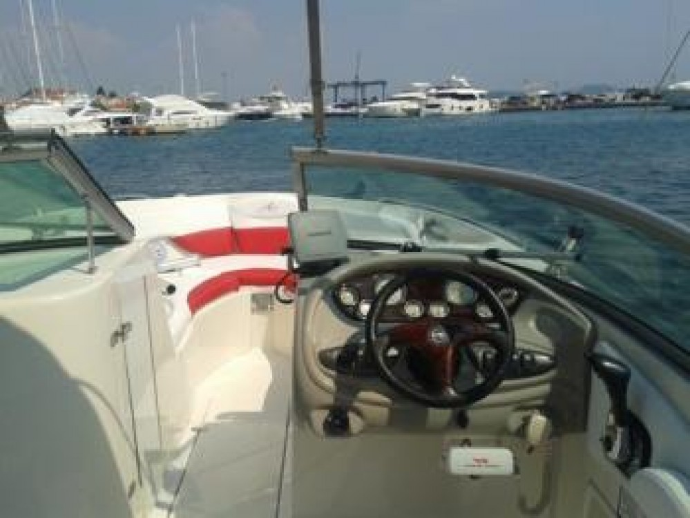 Noleggio yacht Tribunj - Monterey Monterey 248 LS su SamBoat