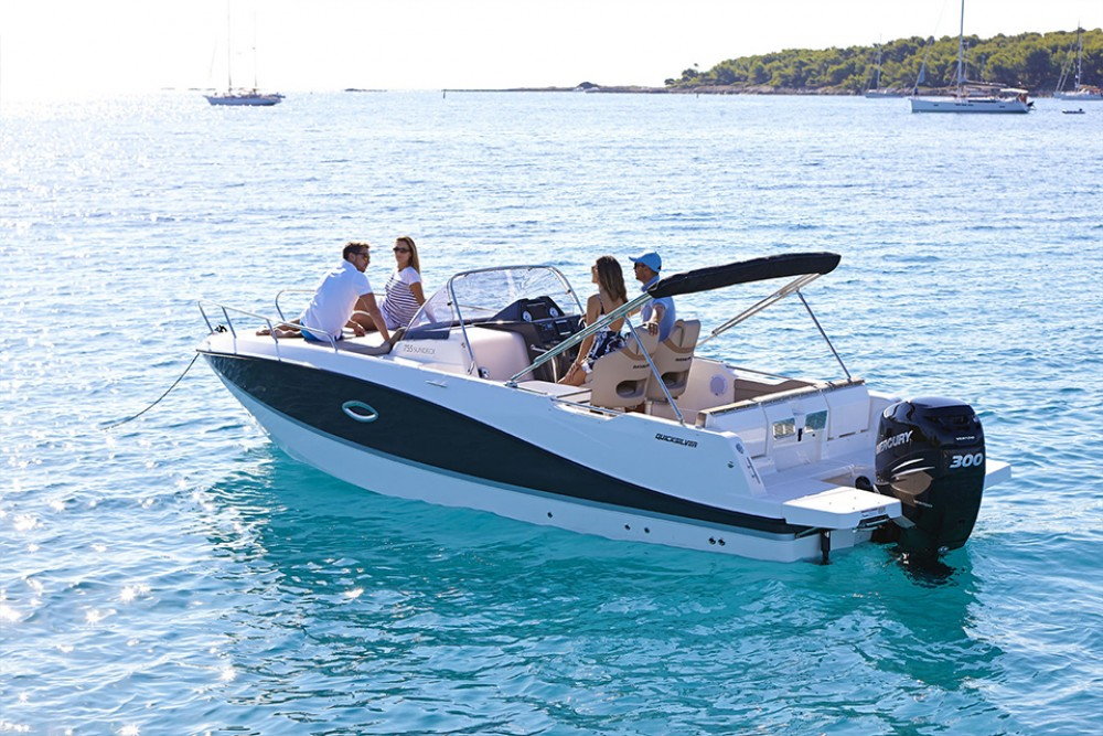Noleggio Barca a motore Quicksilver con una patente