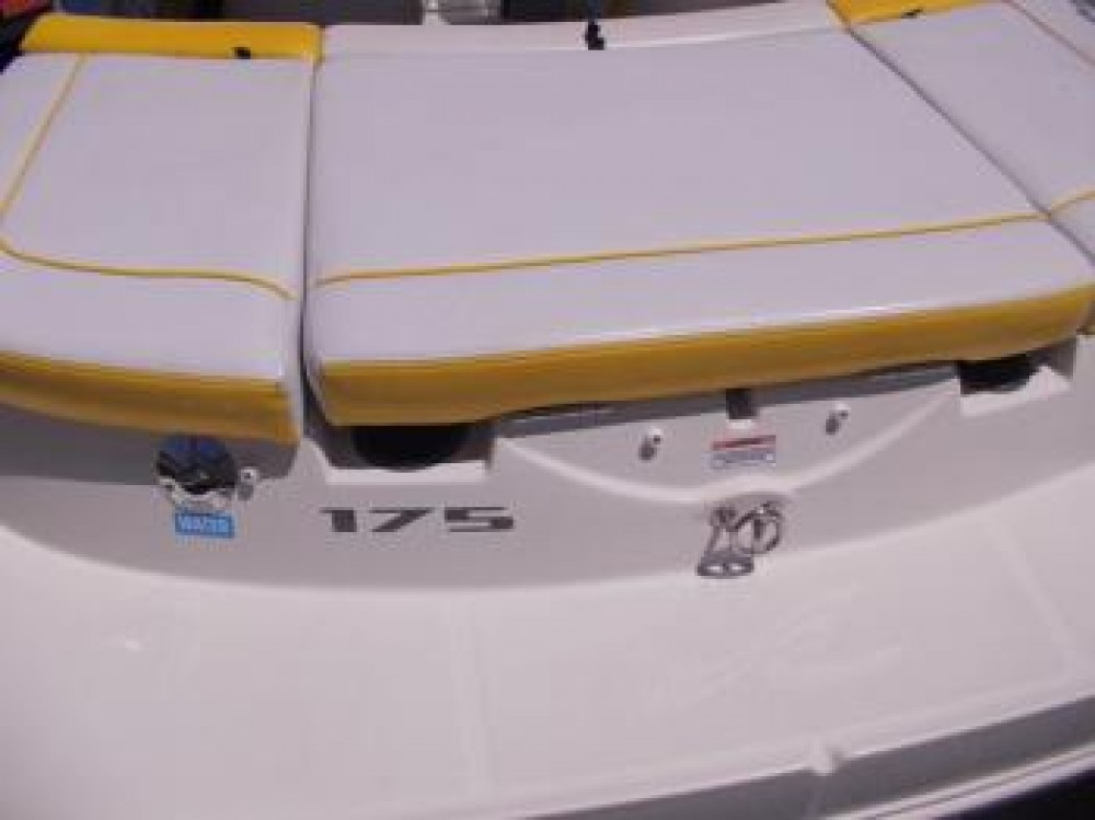 Noleggio Barca a motore Sea-Ray-Boats con una patente