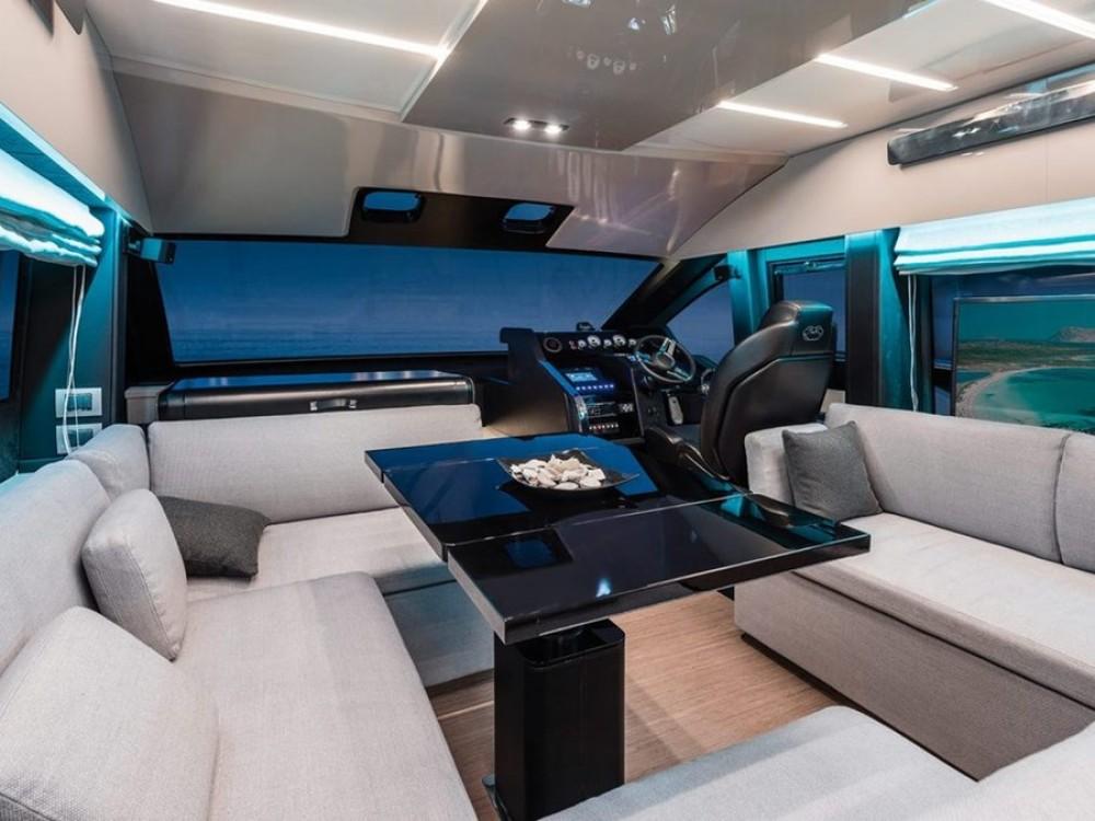 Noleggio Barca a motore con o senza skipper Cranchi Spalato