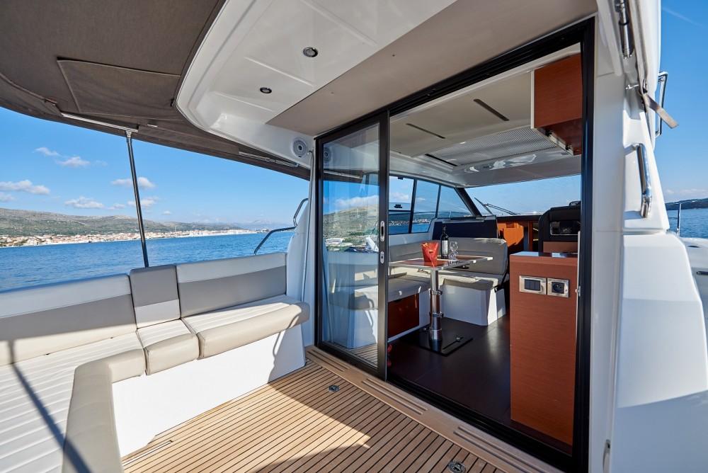 noleggio Barca a motore Traù - Jeanneau NC 33