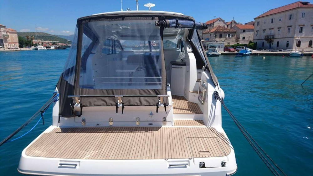 Noleggio Barca a motore con o senza skipper Jeanneau