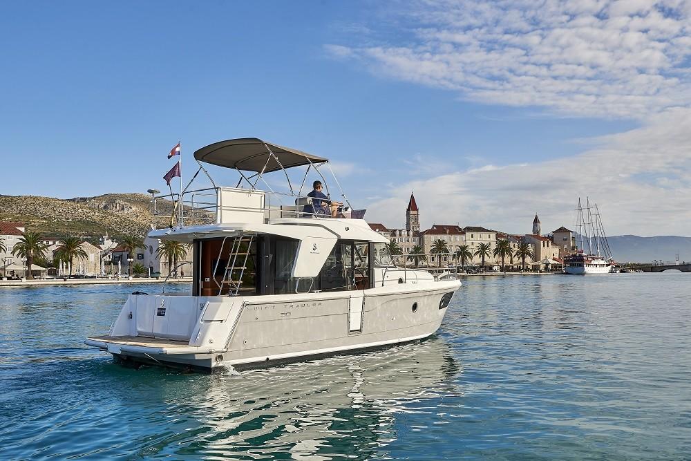 Noleggio barche Bénéteau Swift Trawler 30 Traù su Samboat