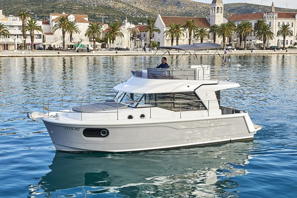 Noleggio barche Traù economico Swift Trawler 30