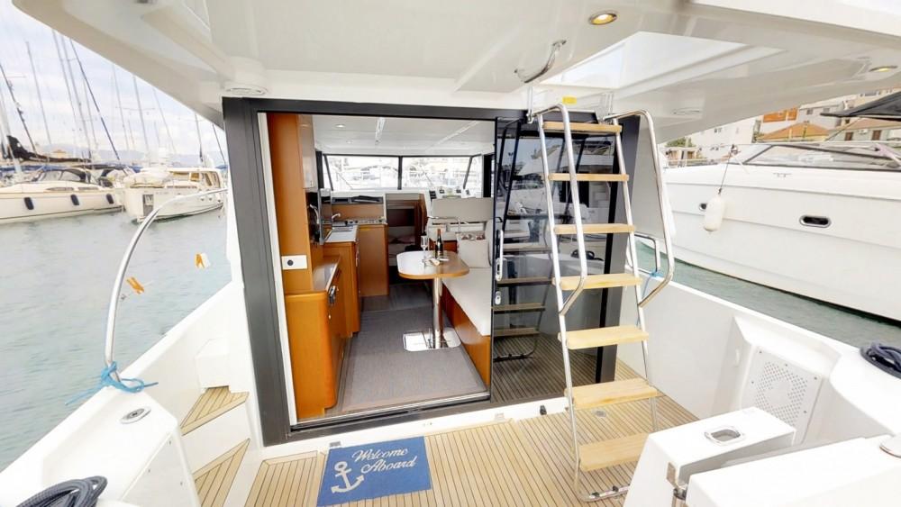 Noleggiare un'Bénéteau Swift Trawler 30 Traù