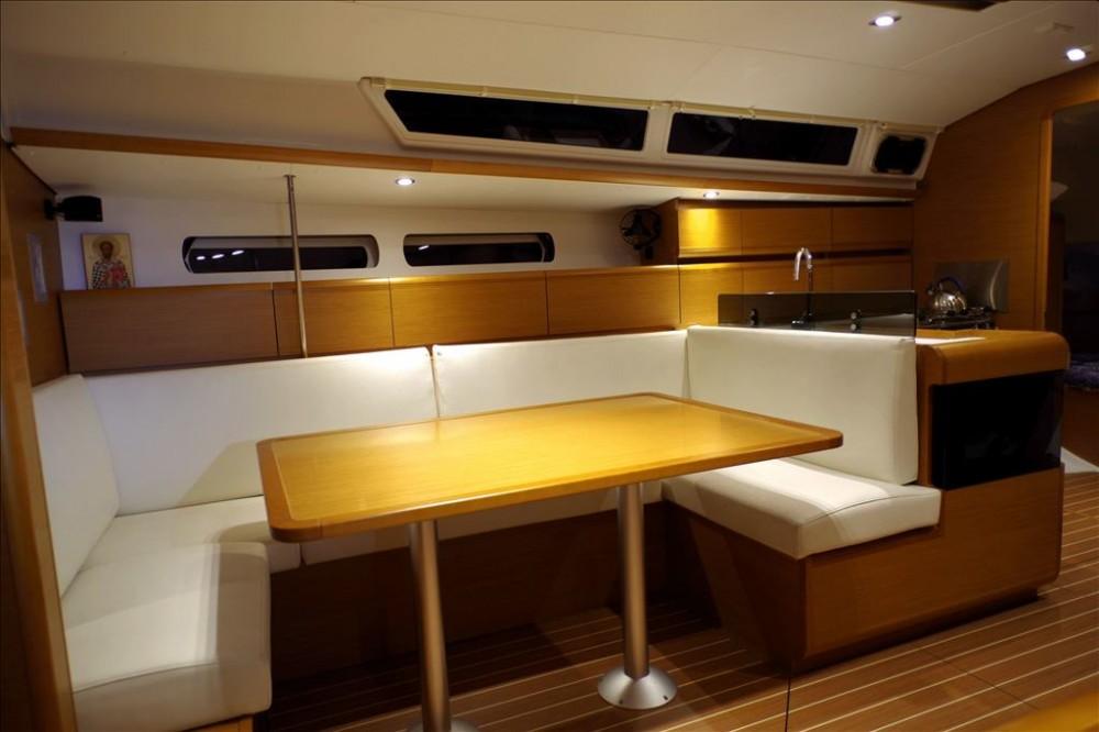 Noleggio barche Corfu economico Sun Odyssey 439