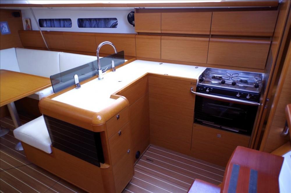 Jeanneau Sun Odyssey 439 tra personale e professionale Corfu