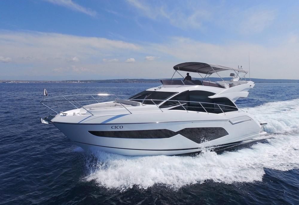 Noleggio Barca a motore Sunseeker-International con una patente