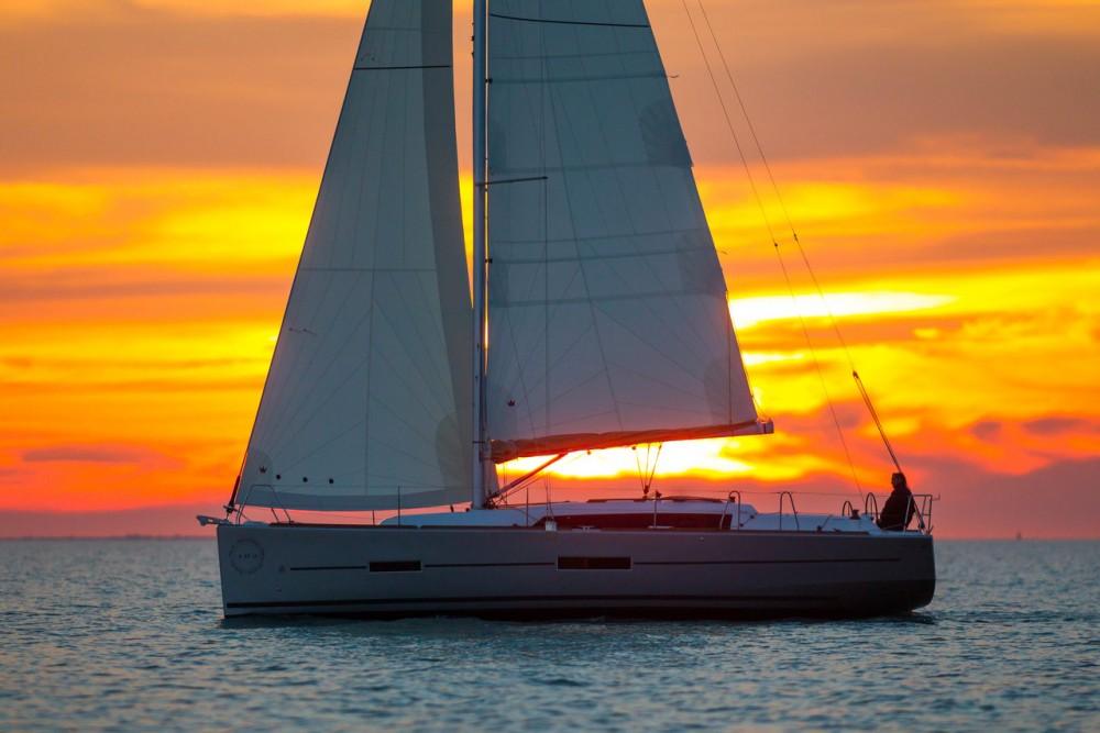 Noleggio barche  economico Dufour 382 Grand Large
