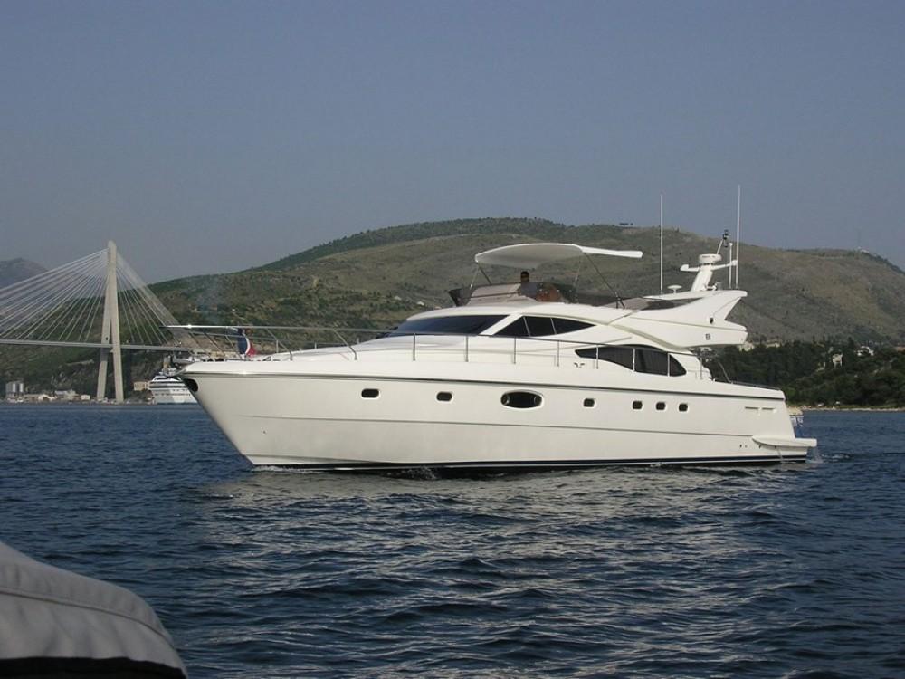 Noleggio barche Ferretti-Yachts-Group Ferretti 591  su Samboat