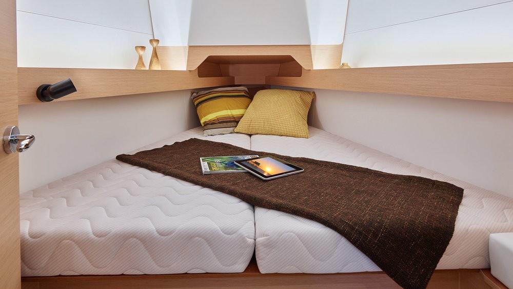 Noleggio barche Pola economico Sun Odyssey 349
