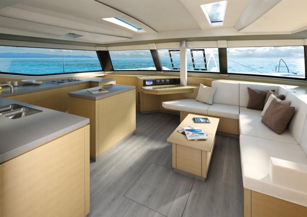 Noleggio Catamarano con o senza skipper Fountaine Pajot Traù
